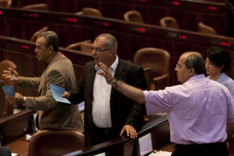 """قناة عبرية: خلافات إسرائيلية حول عملية """"درع الشمال"""" ومواجهة حزب الله"""