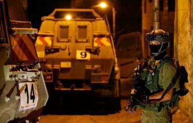 جيش الاحتلال يقتحم محيط وزارة المالية في حي المصايف