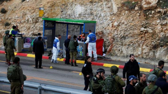إصابة مستوطن بجروح إثر إطلاق النار تجاه حافلة قرب البيرة