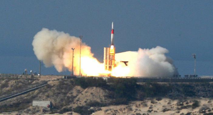 """الوطن اليوم   """"إسرائيل"""" تجري بنجاح تجربة على صاروخ """"حيتس 3"""" المعترض للصواريخ البالستية"""
