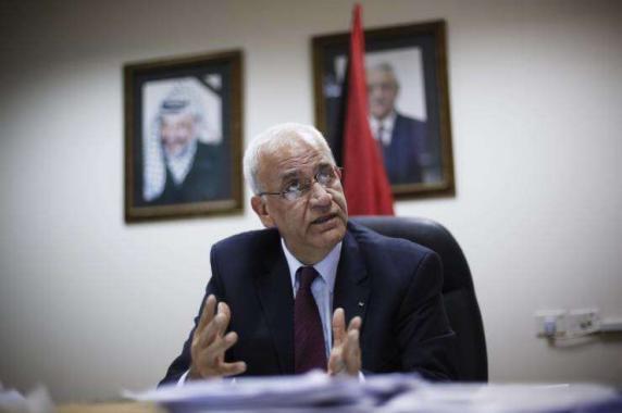 عريقات يطالب الجنائية الدولية بفتح تحقيق رسمي بشأن الاستيطان