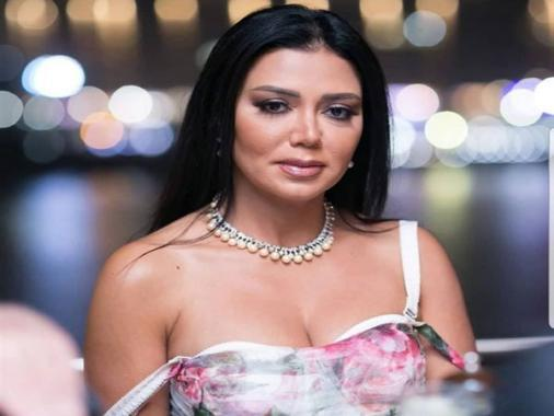 """شاهد.. رانيا يوسف تحتفل بتنظيم مصر لـ""""الأمم الإفريقية"""" بملابس رياضية في """"الجيم"""""""