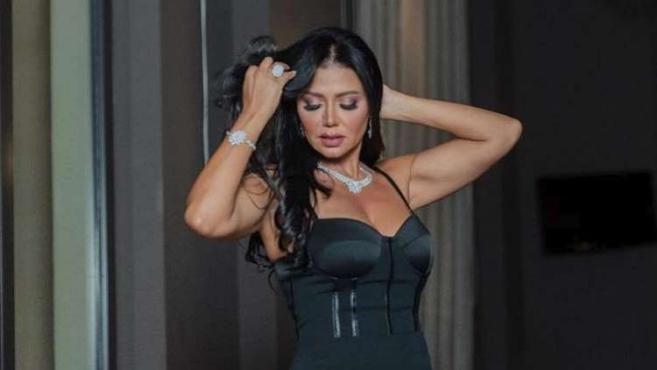 """شاهد.. الصورة الجريئة لـ """"رانيا يوسف"""" سبب تصدرها ترند تويتر"""