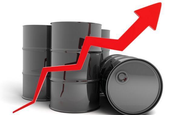 ارتفاع سعر النفط تزامنا مع تهديد أمريكا بعقوبات على فنزويلا