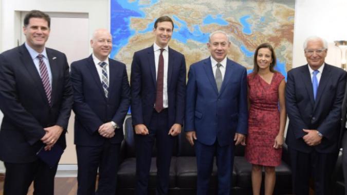 نتنياهو يناقش مع فريق ترامب خطة السلام والعلاقات مع العرب