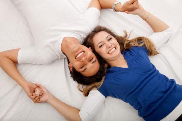 دراسة حديثة: المتزوجون أطول عمرًا وأكثر مالاً!