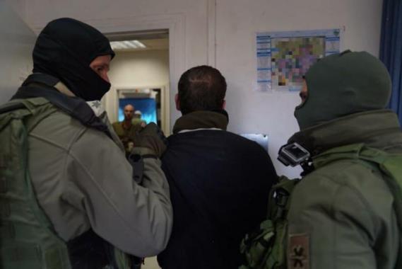 شاهد عملية اعتقال عاصم البرغوثي