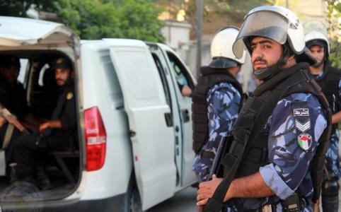 مجهولون يطلقون النار على مركز الشرطة الفلسطينية في الرام