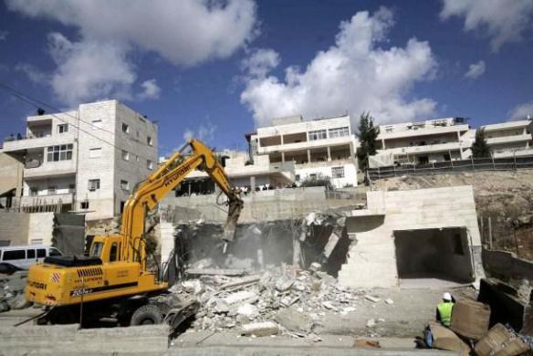 الاحتلال يعتقل صاحب منزل هُدم مرارًا في قلنسوة