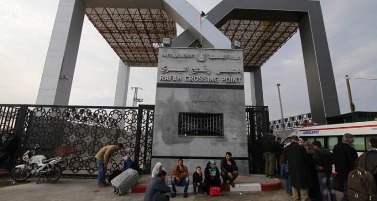القططي: مصر اتخذت قراراً بفتح معبر رفح بالاتجاهين خلال أيام