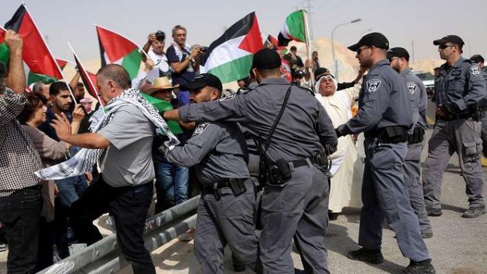 قوات الاحتلال تمنع وصول المواطنين إلى الخان الأحمر