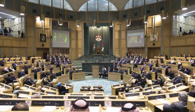 البرلمان الأردني يعفي أبناء قطاع غزة من تصاريح العمل