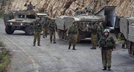 الاحتلال يعتقل 18 مواطن ويصادر مركبتين من الضفة الغربية