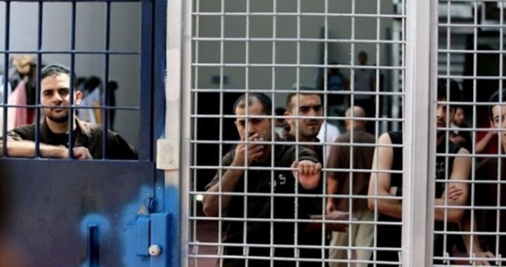 الأسرى يعلنون الإضراب الشامل عقب استشهاد الأسير بارود