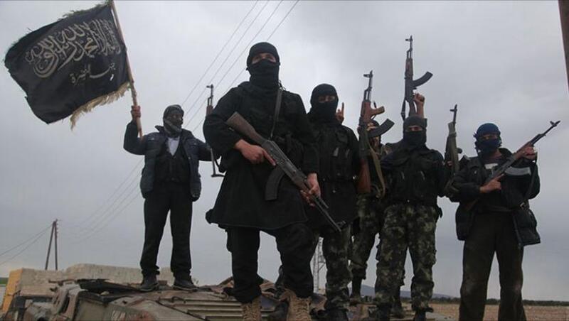 """مقتل 7 جنود سوريين وإصابة 20 بقذائف فتاكة تستخدمها """"القاعدة"""" للمرة الأولى"""
