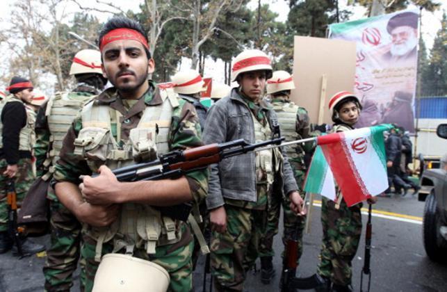 تقرير: إيران تعيد نشر قواتها في سوريا قبيل الانسحاب الأمريكي والانتخابات الإسرائيلية