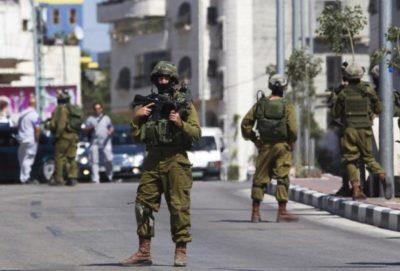 الاحتلال يتلف بسطات الباعة ويستولى على أخرى جنوب الخليل