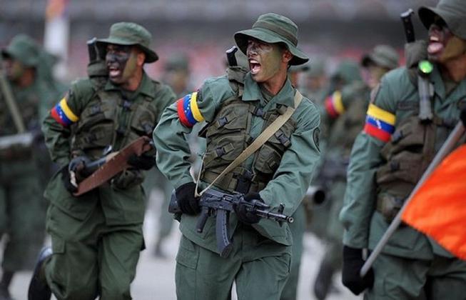 مصدر في البيت الأبيض: الولايات المتحدة على اتصال مباشر بجيش فنزويلا وتحث على الانشقاق