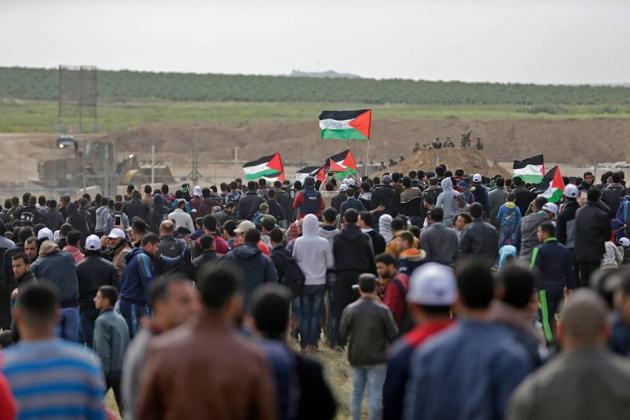 """استشهاد فلسطينيين وإصابة 17 آخرين بقمع فعاليات جمعة """"لن نساوم على كسر الحصار"""""""
