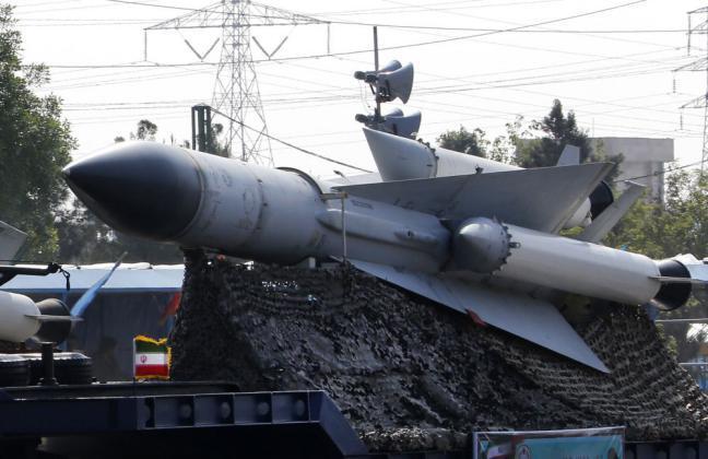 إيران تعلن عن إجراء مناورات عسكرية في الخليج والمحيط الهندي