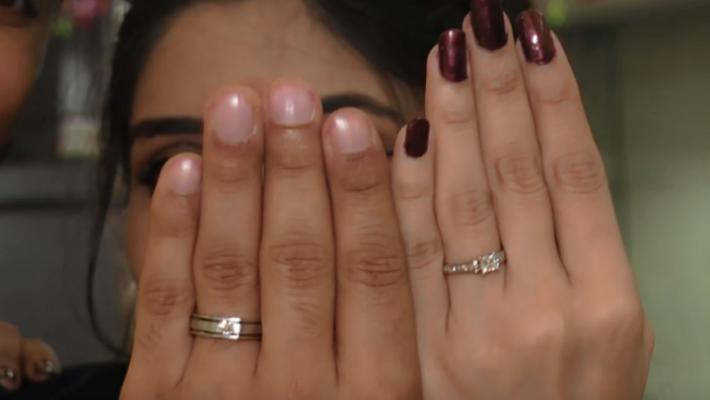 شاب هندي يهاجر إلى أستراليا بعد أن تزوج أخته!