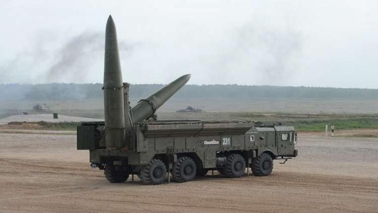 روسيا تتخذ إجراءات احتياطية عسكرية بعد تعليق العمل بمعاهدة الصواريخ