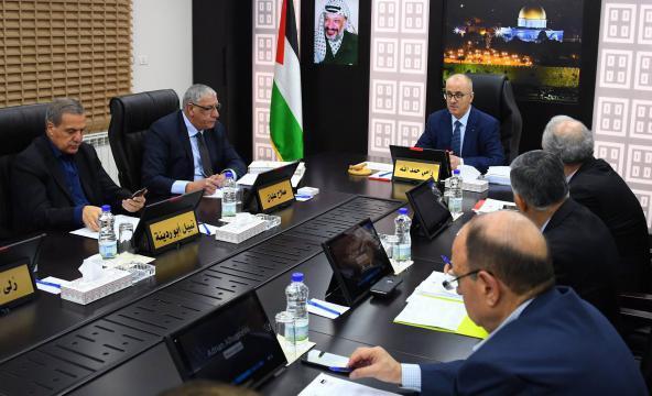 الحكومة تدين استهداف الاحتلال المسجد الأقصى
