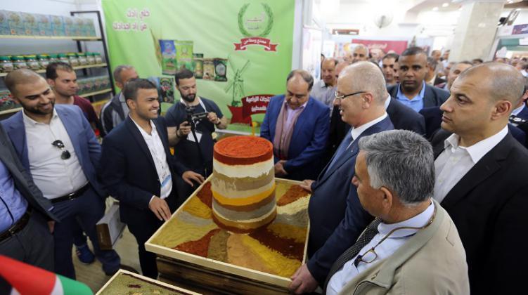 الحمد الله يؤكد ضرورة دعم المنتجات الوطنية