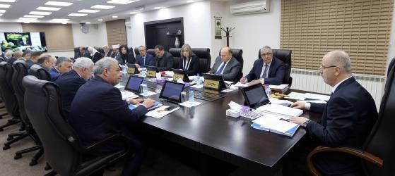 مجلس الوزراء يدعو لتفعيل شبكة الأمان المالية العربية