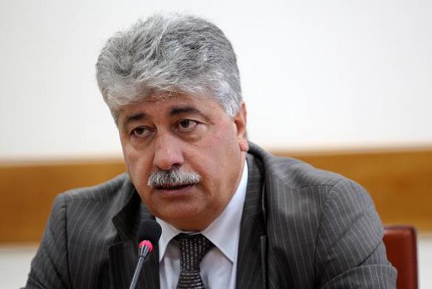 أحمد مجدلاني: رواتب موظفي غزة ستصرف بنفس نسبة الشهر الماضي