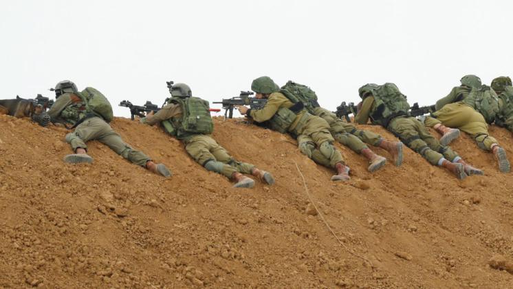 جيش الاحتلال يقرر نشر مئات القناصة على حدود غزة