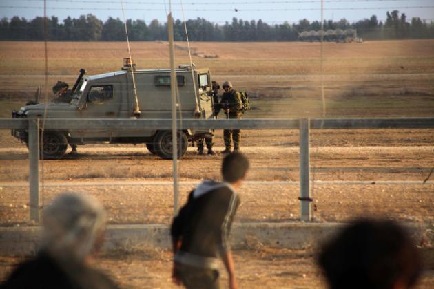 الاحتلال يزعم اعتقال شابين اجتازا السياج العنصري جنوب غزة