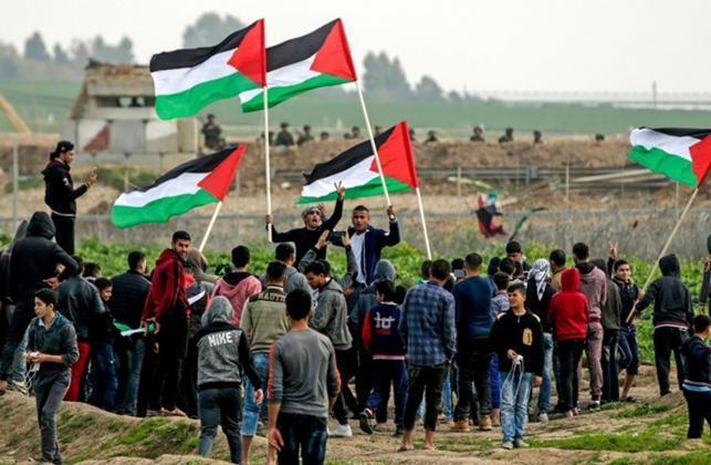 """أهالي قطاع غزة يستعدون لـ """"جمعة المسيرات خيارنا"""""""