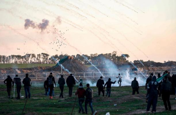 الاونروا: أفواج من القتلى والجرحى في عام واحد من مسيرات العودة