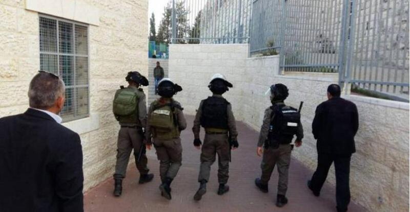 الخليل: الاحتلال يغلق الحرم الإبراهيمي أمام المصلين