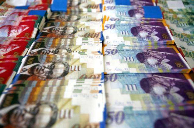 عبر قروض بنكية السلطة تؤمن ربع مليار شيكل لسد العجز المالي