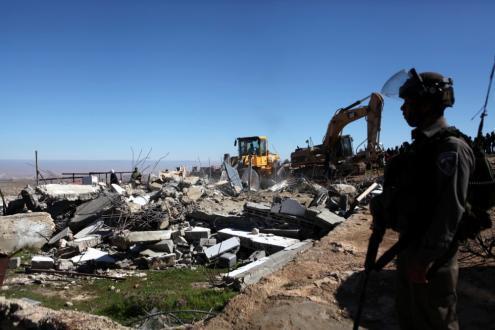 الاحتلال يبدأ إجراءات إخلاء عائلة الصباغ من منازلها في الشيخ جراح بالقدس