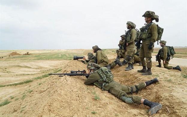 الاحتلال يحقق في استشهاد 11 فلسطينيا على حدود قطاع غزة