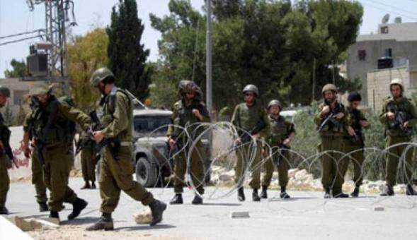 الاحتلال يعتقل 5 مواطنين عبروا السياج جنوب قطاع غزة