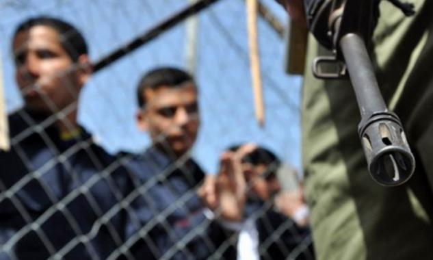 إدارة سجون الاحتلال تنقل الأسرى المضربين إلى معتقلات أخرى