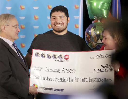 شاب يربح ثالث أضخم جائزة يانصيب في تاريخ الولايات المتحدة