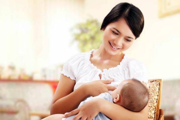 هل توجد أطعمة غير مناسبة للأم المرضعة؟