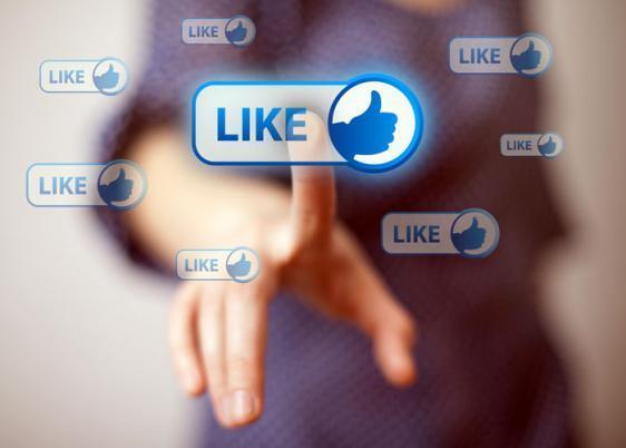بريطانيا تمنع أطفالها من إرسال الإعجاب على فيسبوك و سناب شات