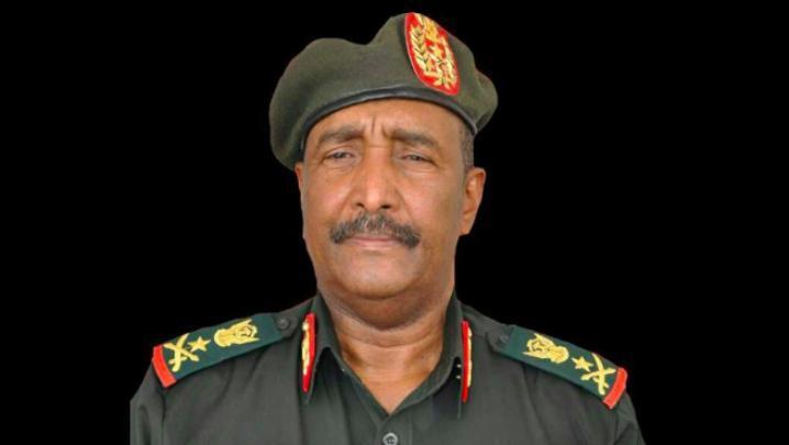 شاهد| عبد الفتاح البرهان يؤدي اليمين الدستورية رئيسا للمجلس العسكري الانتقالي في السودان