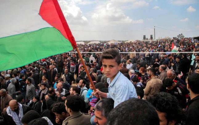 """جماهير غزة يستعدون للمشاركة في جمعة """"يوم الأسير الفلسطيني"""" بمخيمات العودة شرق قطاع غزة"""