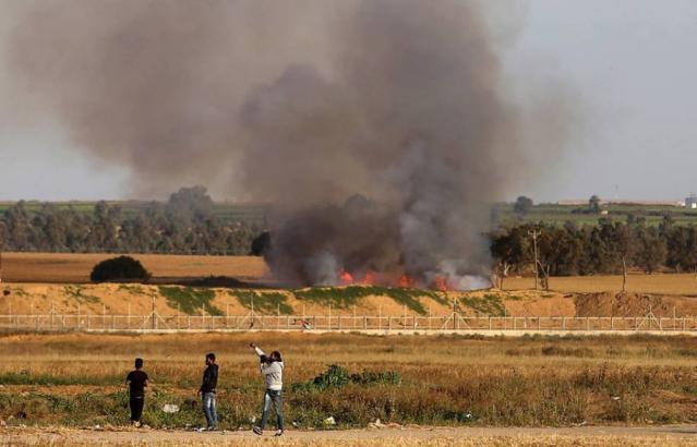 الاحتلال يستهدف مجموعة من المواطنين شرق مدينة غزة