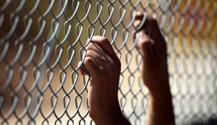 بينهم أسير محكوم بالمؤبد.. 5 أسرى يدخلون أعوامًا جديدة في سجون الاحتلال