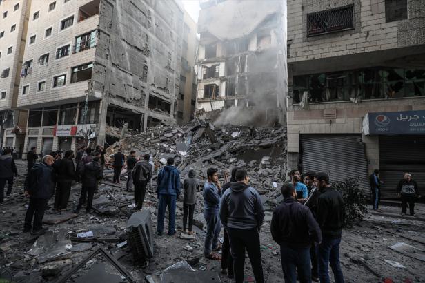 وزير الأشغال: سنقف بجانب أصحاب البيوت المدمرة في غزة