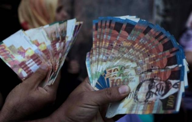 تحديد موعد صرف رواتب موظفي السلطة في غزة والضفة