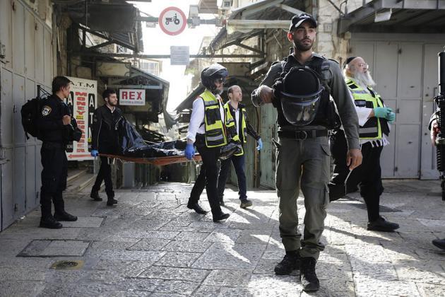 استشهاد مواطنين فلسطينيين برصاص الاحتلال وإصابة إسرائيليين بعملية طعن
